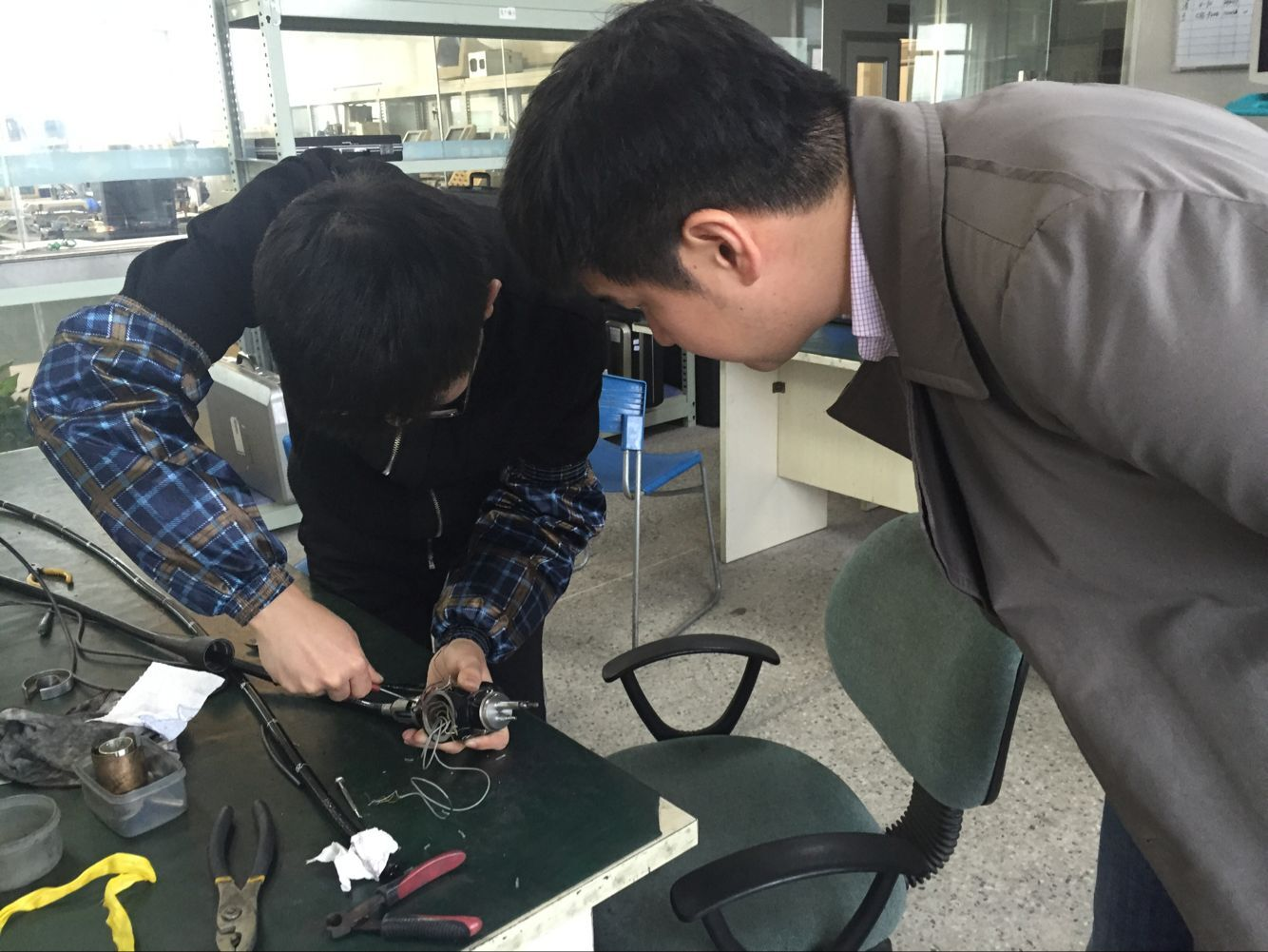 Endoscope camera system repair training for Korean
